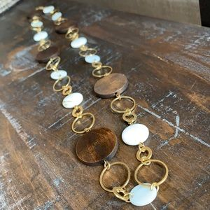 Fashion wood shell & gold necklace